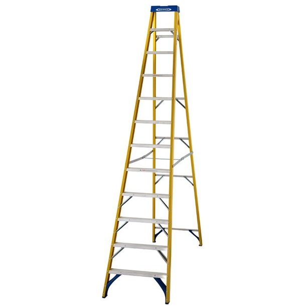 Werner 716 Fibreglass Swingback Step Ladder