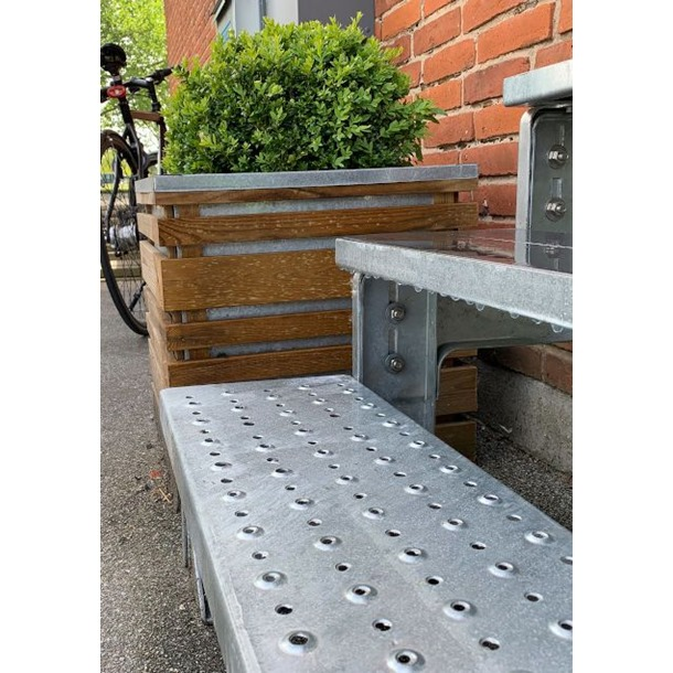 Gardentop Metal Outdoor Staircase with Perforated Treads