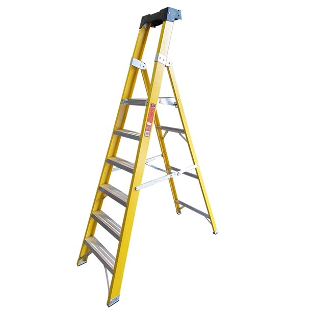 Super-Trade Glass Fibre Platform Step Ladder